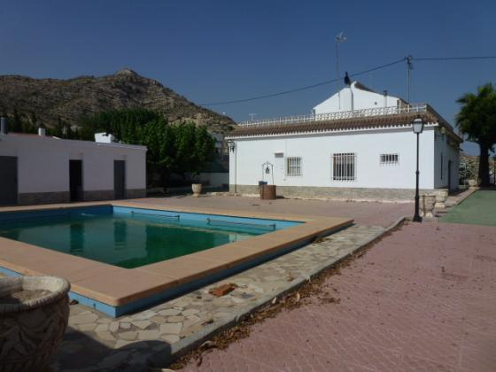 5 bed Villa in Aspe