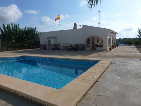 Aspe villa with pool & land