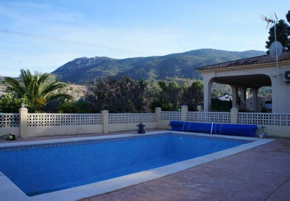 Hondon detached villa with guesthouse