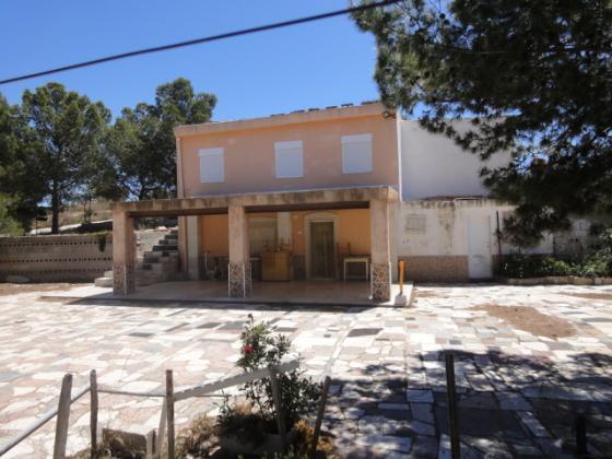 Bargain villa to reform