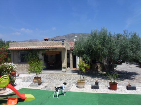 Hondon de las Nieves Villa