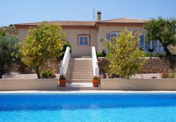 Stunning villa in Hondon de las Nieves