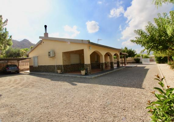ASPE VILLA WITH CASITA