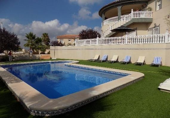La Montanosa villa with a private pool